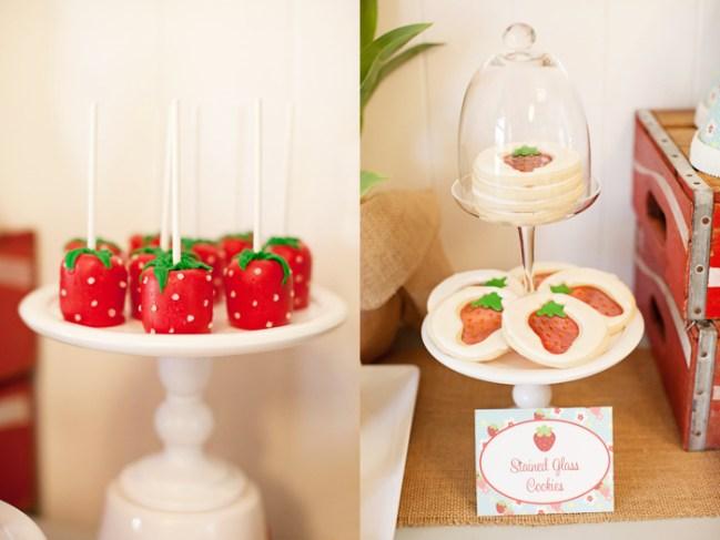 um-doce-dia-decoracao-festa-morango-03