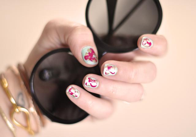 um-doce-dia-unhas-nail-art-abstrata-01