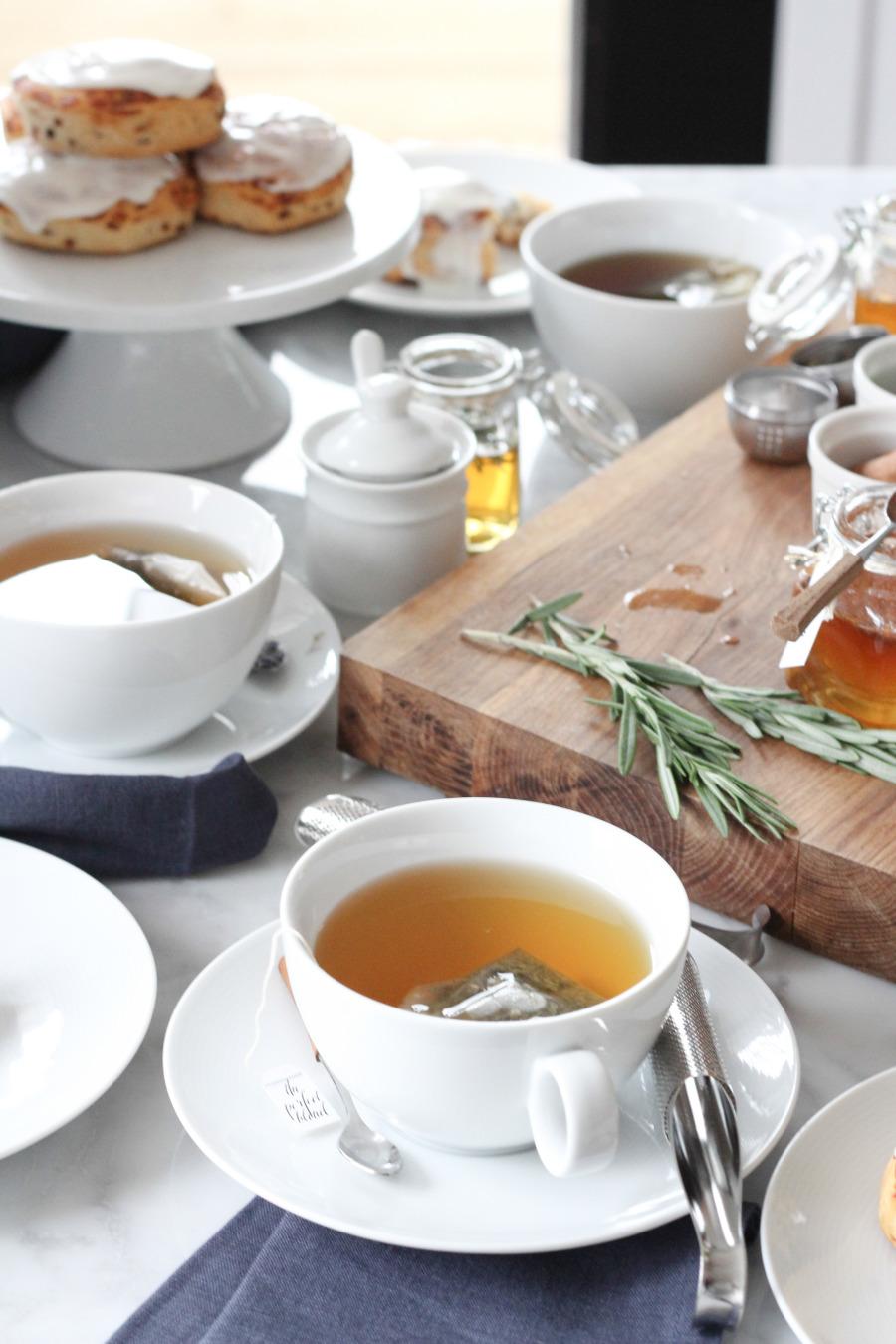 Resultado de imagem para servir chá