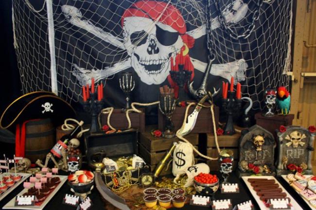 um-doce-dia-o-x-marca-o-local-pirata-01