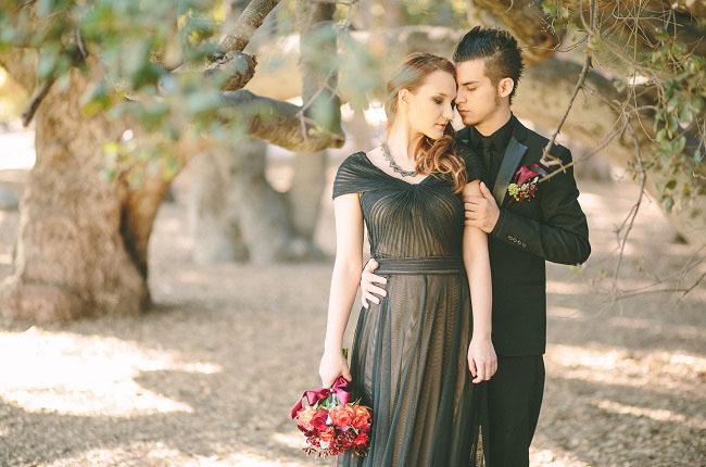 um-doce-dia-casamento-com-os-tons-do-bordo-hades-e-persefone-01
