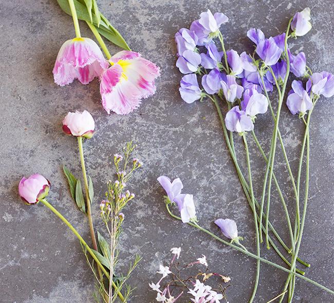 um-doce-dia-um-arranjo-com-flores-da-primavera-02