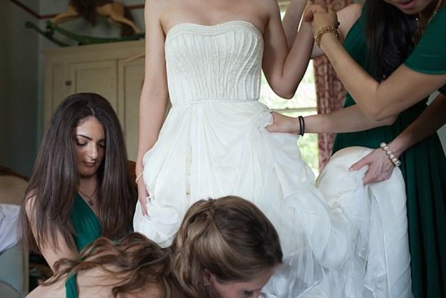 um-doce-dia-casamento-em-casa-peonias-e-um-toque-azul-03