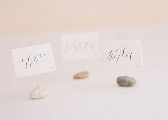 um-doce-dia-diy-marcadores-de-lugar-com-pedras-01