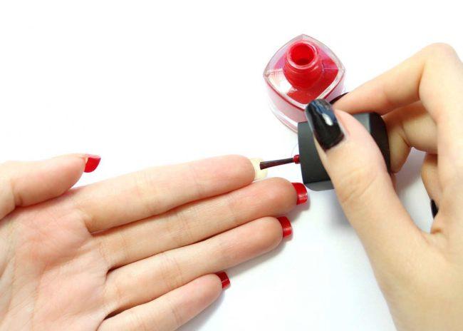 um-doce-dia-nails-art-louboutin-01