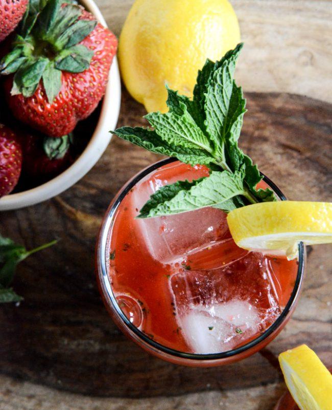 um-doce-dia-limonada-fesca-morango-hortela-06