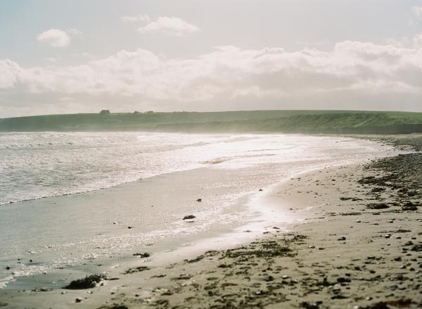 um-doce-dia-lindo-casamento-litoral-irlandes-03
