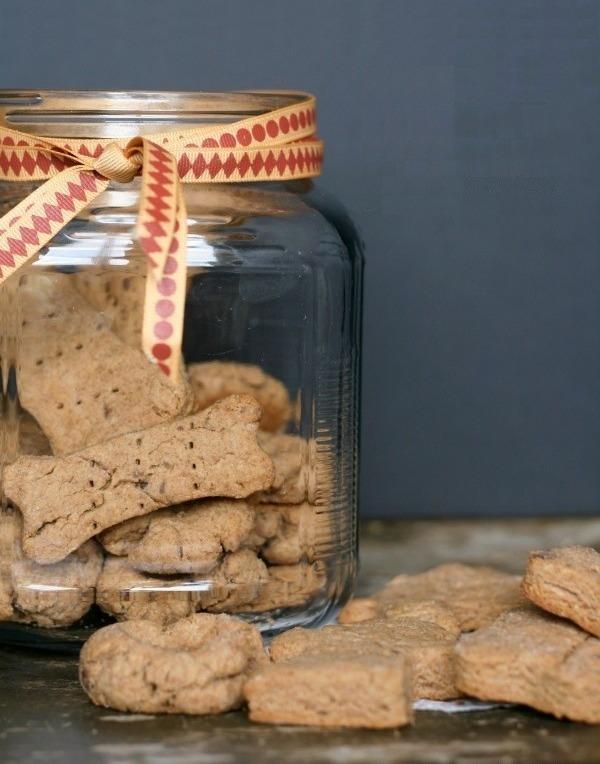 um-doce-dia-snacks-para-cachorros-e-donos-01
