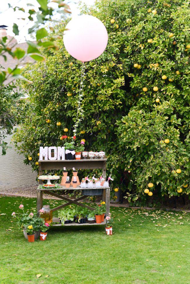 um-doce-dia-decoracao-no-jardim-para-o-dia-das-maes-03