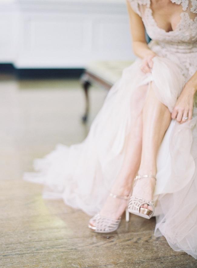 um-doce-dia-o-blush-e-o-novo-branco-vestido-reem-acra-fotografia-jessica-lorren-01
