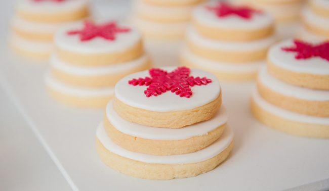 um-doce-dia-decoracao-natal-branco-e-vermelho-06