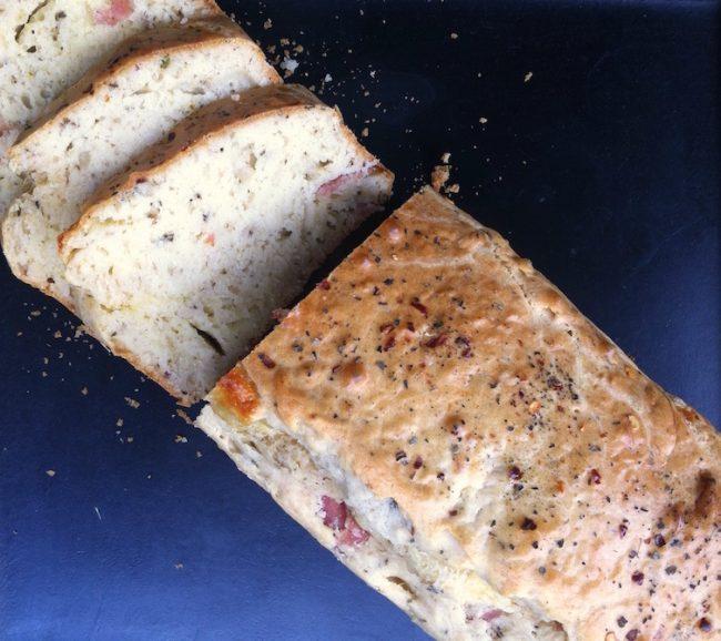 um-doce-dia-receita-bolo-salgado-de-queijo-com-salame-01