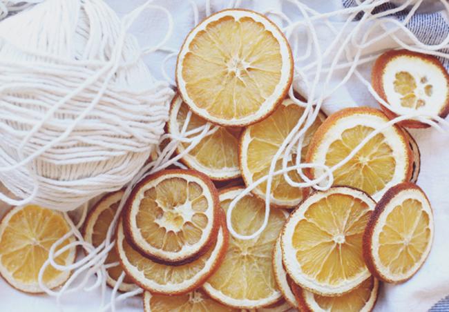um-doce-dia-como-fazer-laranjas-desidratadas-05