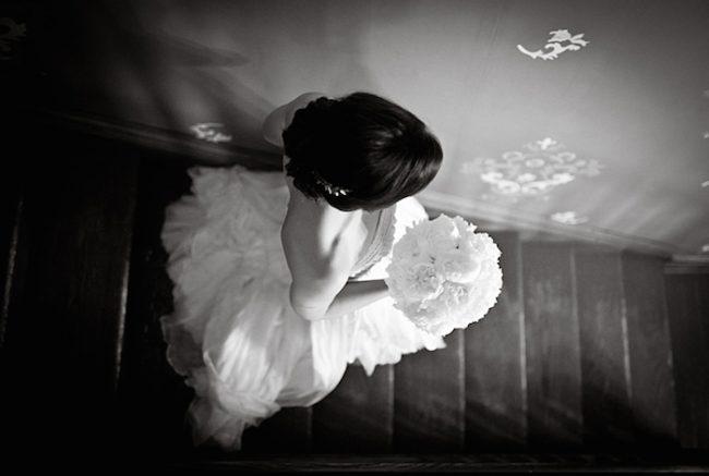 um-doce-dia-casamento-em-casa-peonias-e-um-toque-azul-05