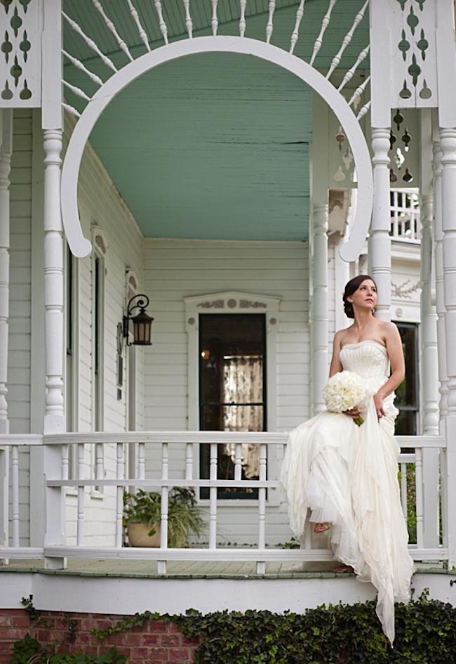 um-doce-dia-casamento-em-casa-peonias-e-um-toque-azul-06