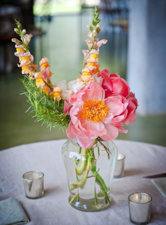 um-doce-dia-casamento-em-casa-peonias-e-um-toque-azul-21