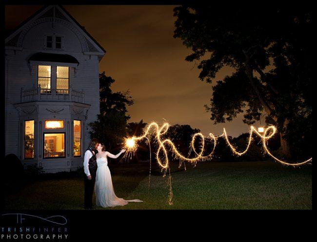 um-doce-dia-casamento-em-casa-peonias-e-um-toque-azul-25
