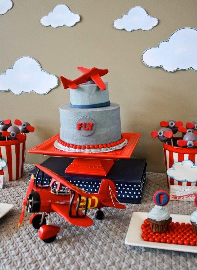 um-doce-dia-aniversario-menino-aviator-02