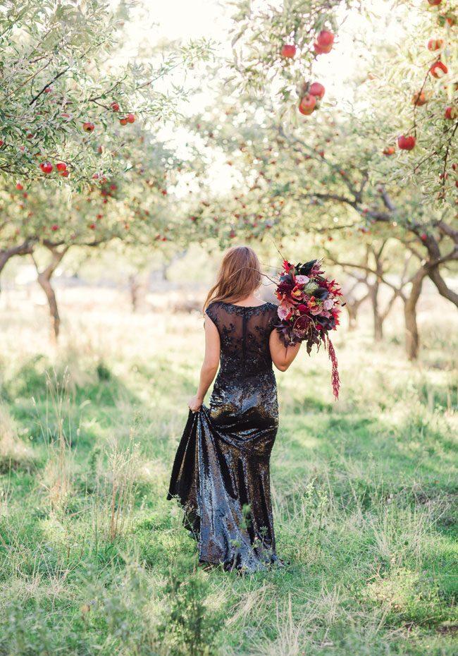 um-doce-dia-casamento-inspiracao-halloween-tom-ameixa-profundo-19