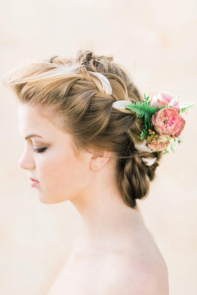 um-doce-dia-noivas-5-penteados-florais-04