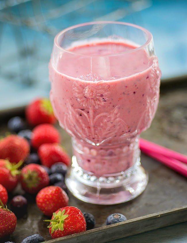um-doce-dia-receita-berry-lassi-01