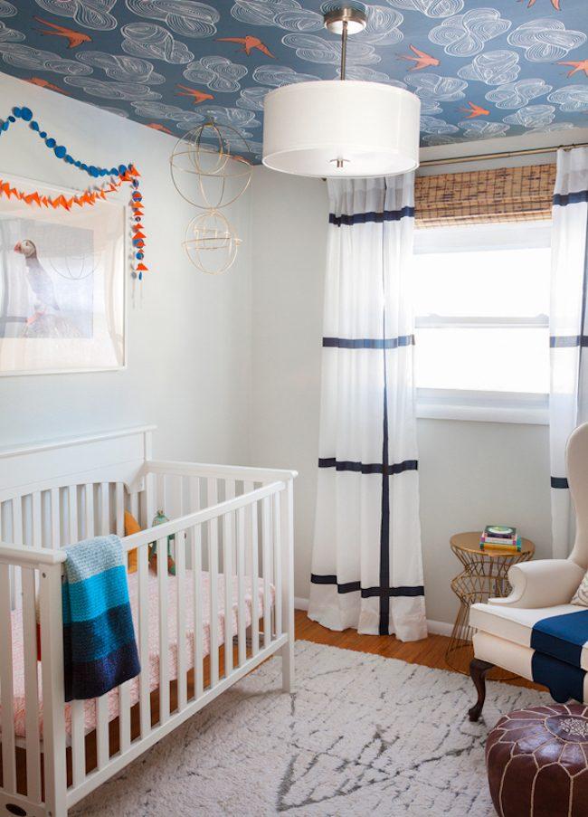 um-doce-dia-decoracao-quarto-de-bebe-azul-e-laranja-01