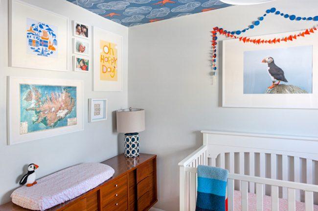 um-doce-dia-decoracao-quarto-de-bebe-azul-e-laranja-07