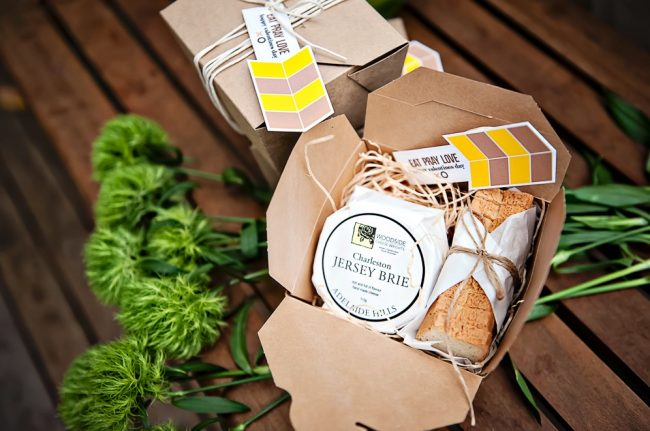 um-doce-dia-decoracao-mesa-de-jantar-verde-vibrante-14