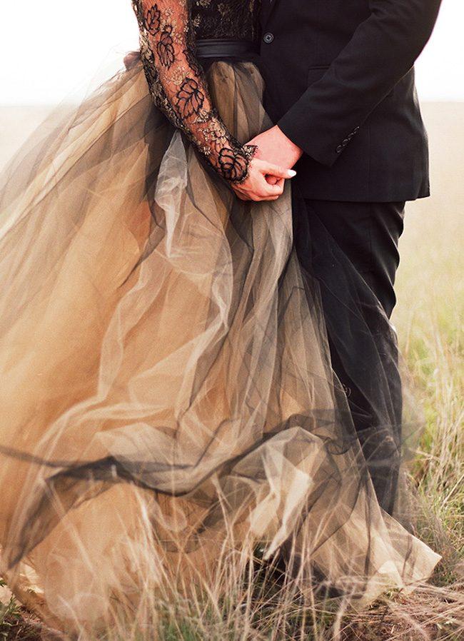 um-doce-dia-casamento-inspiracao-renda-negra-e-tule-escuro-09