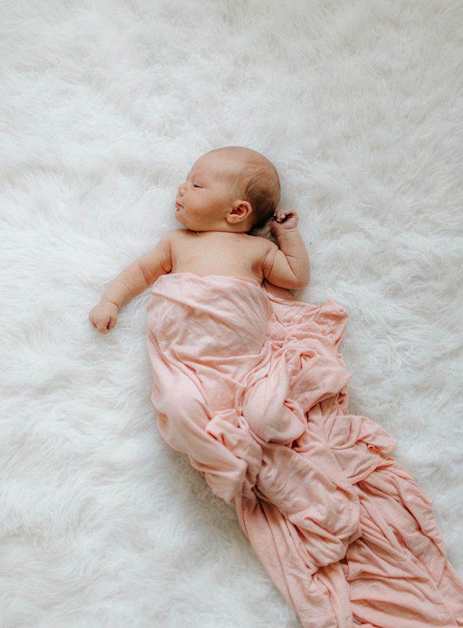 um-doce-dia-decoracao-quarto-de-bebe-sereno-e-de-luz-natura-05