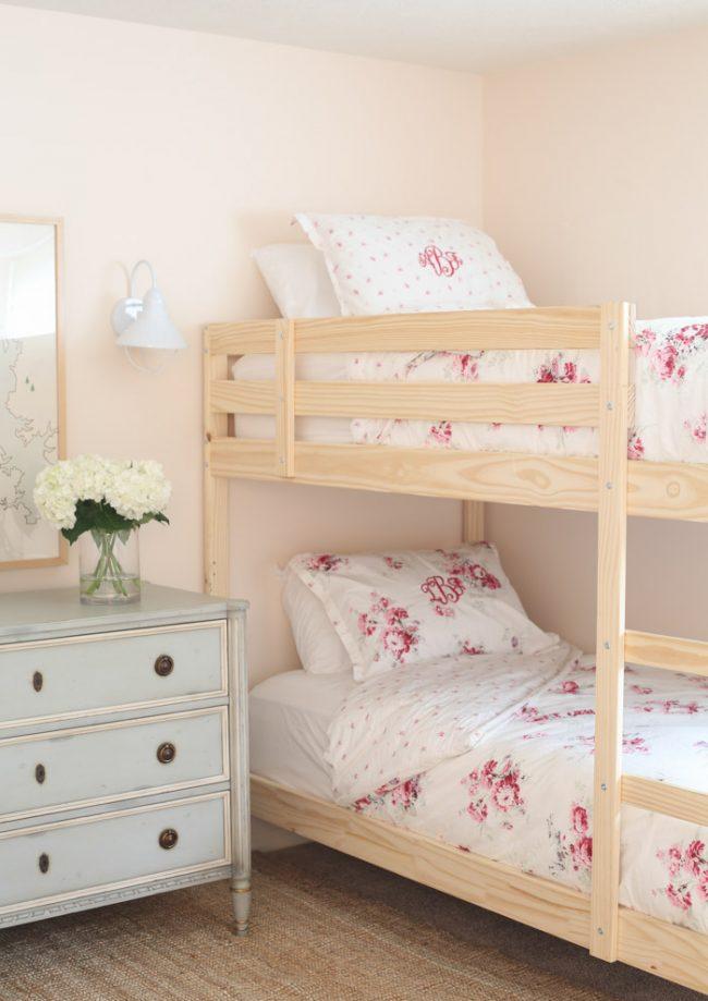 um-doce-dia-decoracao-quartos-para-dividir-meninas-do-campo-04